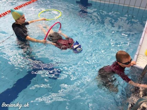 Skupinové plávanie